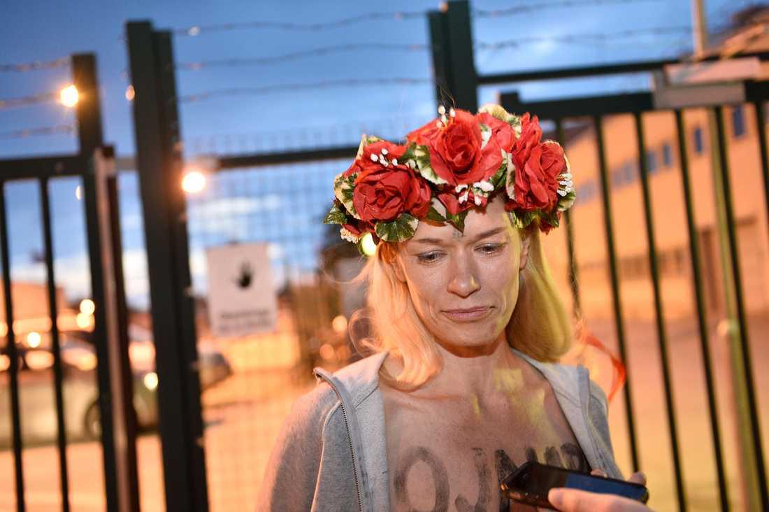 Aftonbladet mötteJenny Wenhammar utanför arrestens grundar.