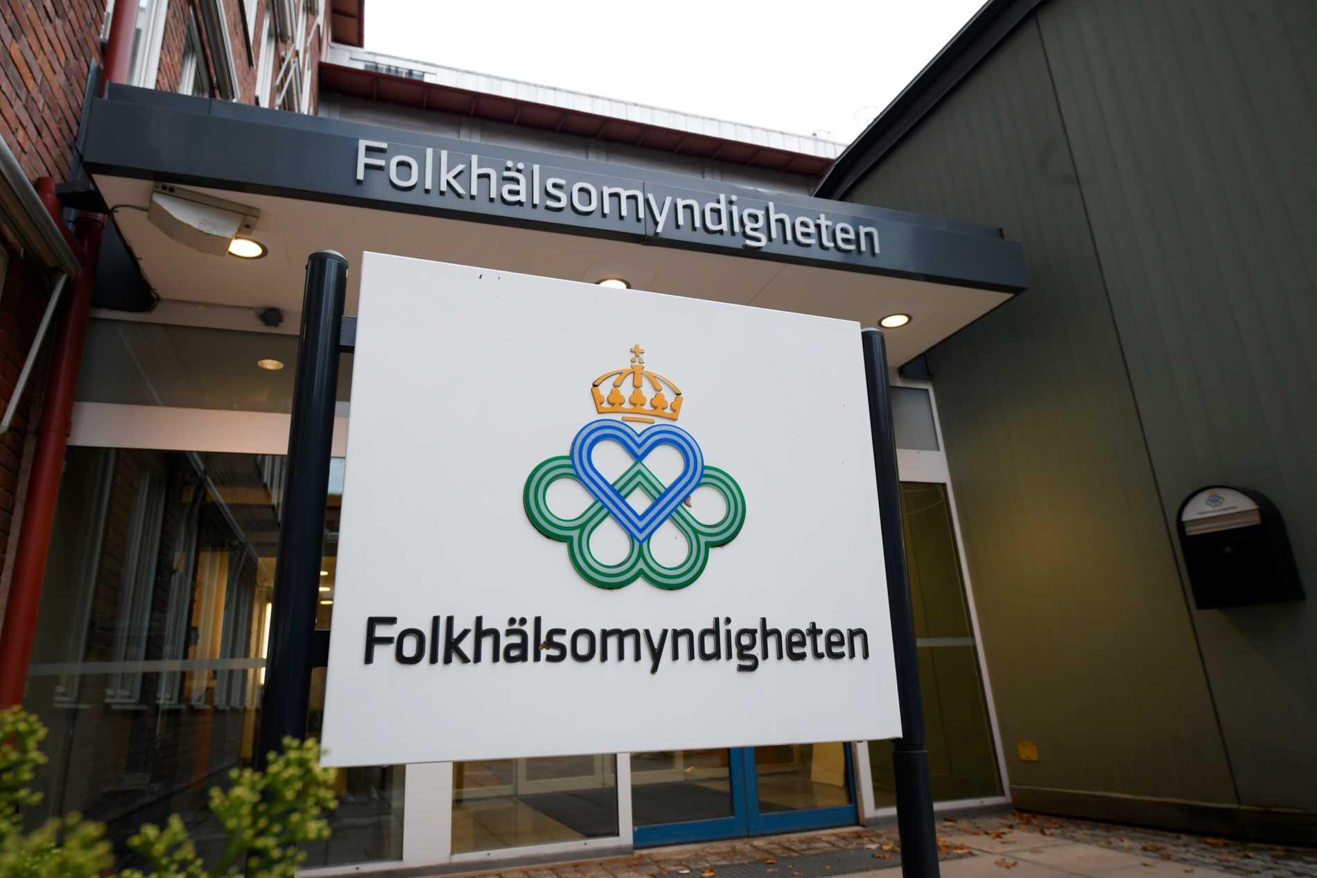Entrén till Folkhälsomyndigheten i Solna, Stockholm. Arkivbild
