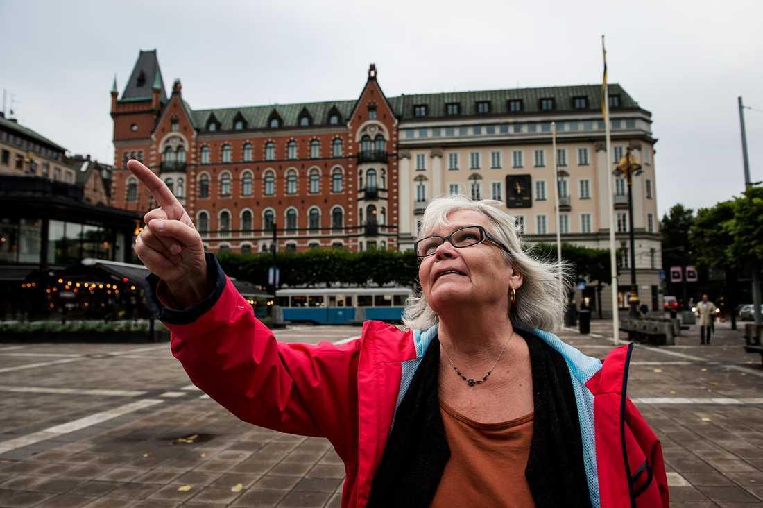 I dag har Kristin Enmark inga problem att besöka Norrmalmstorg.