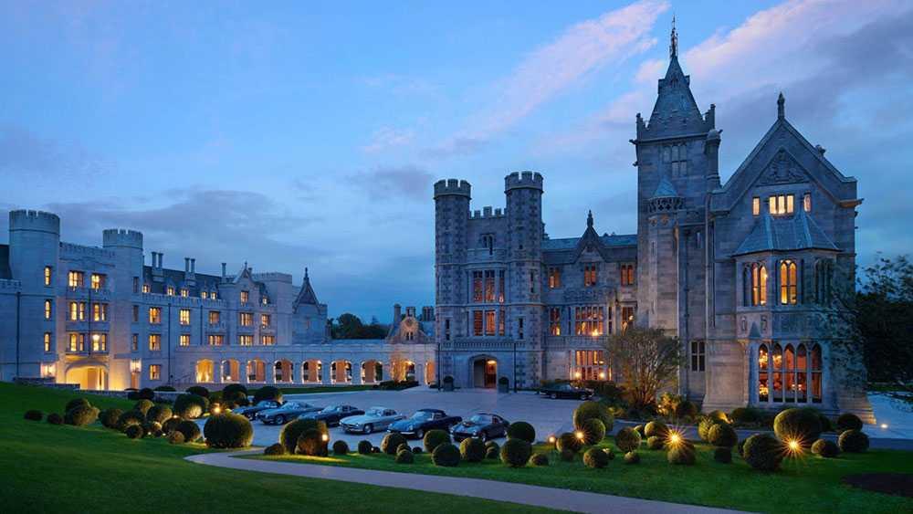 Hotellet Adare Manor har utsetts till världens bästa hotell.