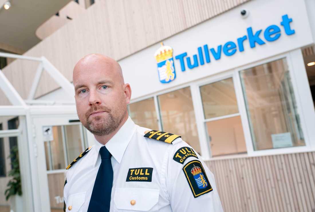 Oscar Lindvall, tillförordnad tullkrimchef vid Tullverket, vill skärpa straffet för fulla lastbilschaufförer. Arkivbild.