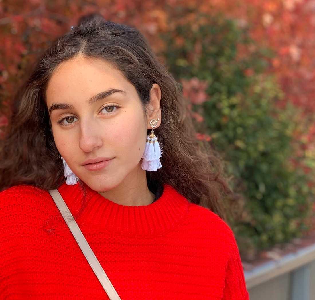 Salina Sebghati, 18, startade en namninsamling för att skjuta upp studenten i stället för att ställa in helt.