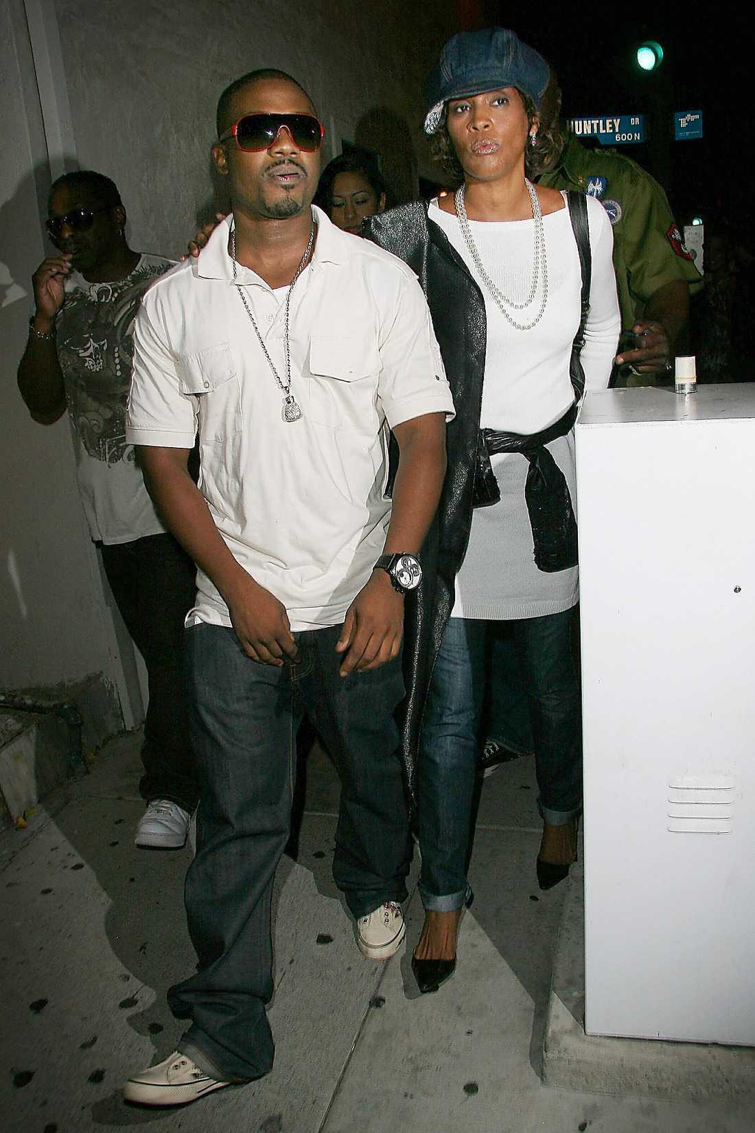 Whitney och hennes pojkvän Ray J.