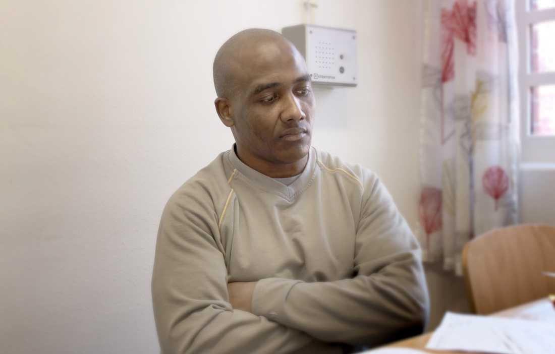 Kader Bencheref satt över åtta år i svenskt fängelse efter att han avtjänat sitt straff.