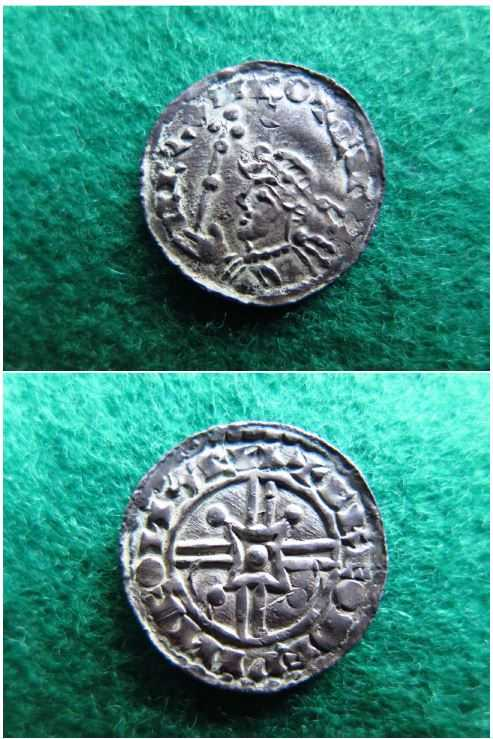 Vikingamynt som mannen har sålt vidare. Åklagaren misstänker att de kommer från Kungliga Myntkabinettet där mannen tidigare jobbade.