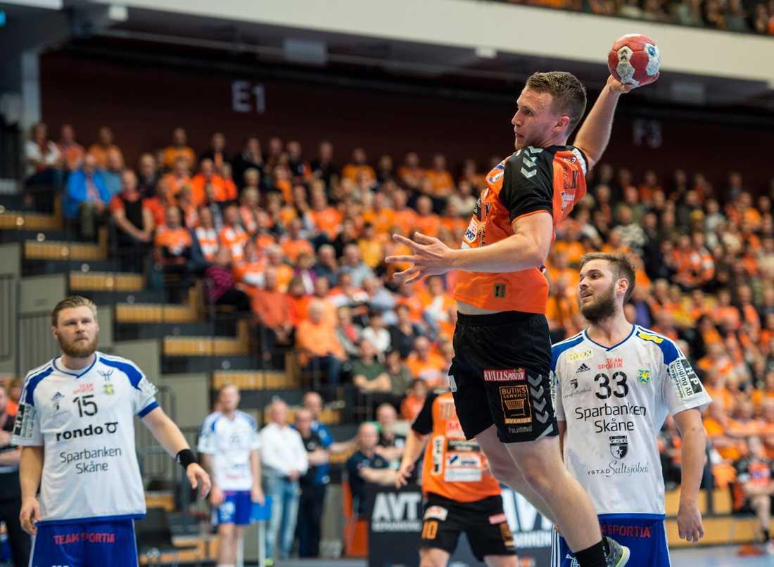 Kristianstads Philip Henningsson får chansen i säsongens första landslagstrupp. Arkivbild.