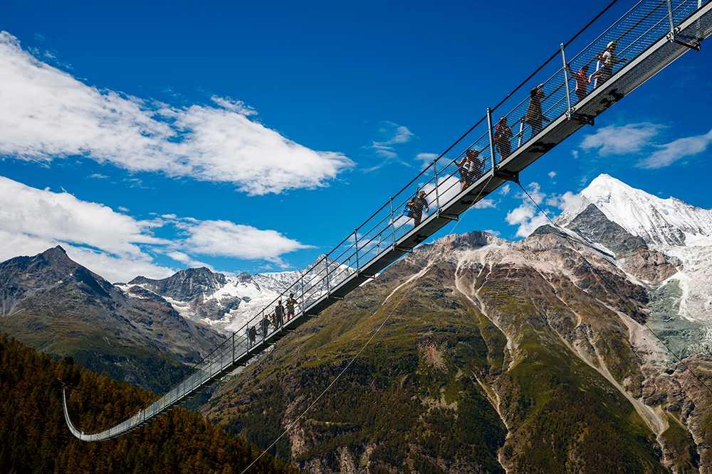 494 meter lång är den världens längsta gångbro.