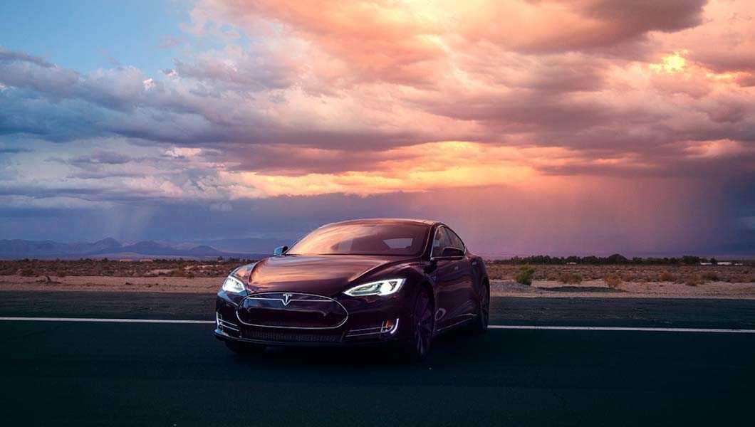 Tesla återkallade alla Model S för att testrycka i säkerhetsbältet