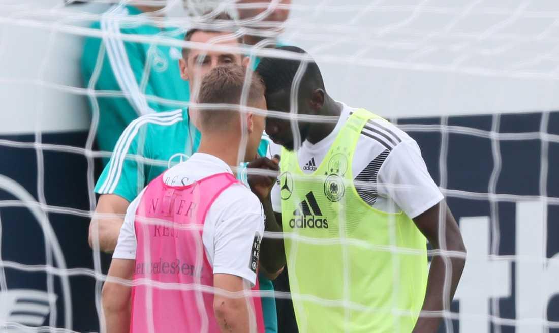 Kimmich och Rüdriger rök ihop på träningen.