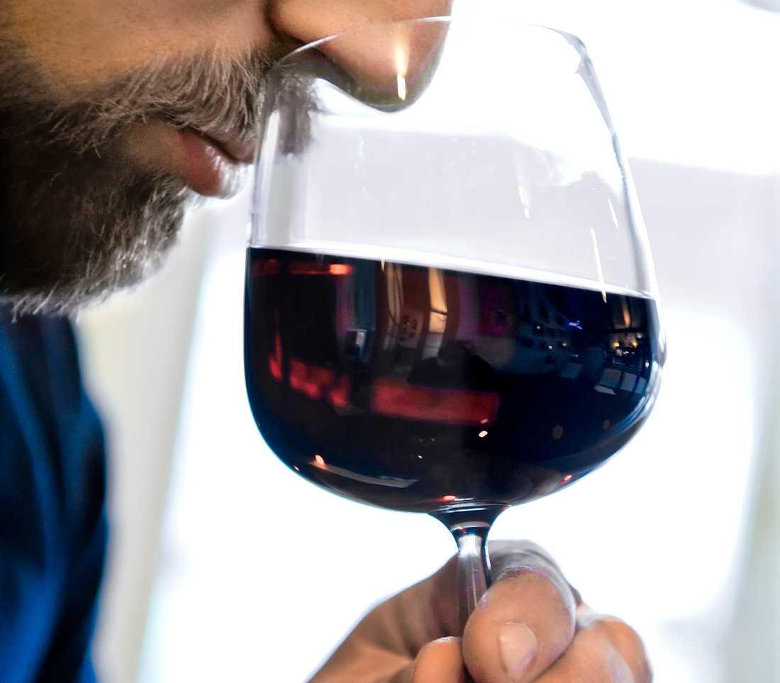 Alkohol är den tredje största riskfaktorn i världen för både ohälsa och för tidig död.