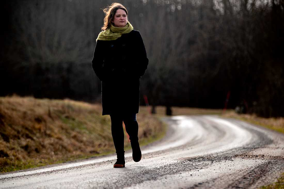 """""""Det är inte lätt att leva i en värld där man hela tiden måste ta ansvaret för jordens överlevnad på sina axlar. Det var väl egentligen det som jag funderade kring"""", säger Hanna Landahl."""