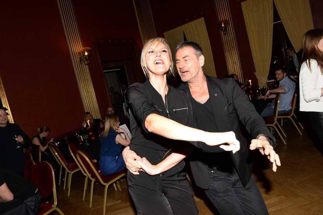 Sanna Nielsen och Christer Björkman släppte loss på dansgolvet.