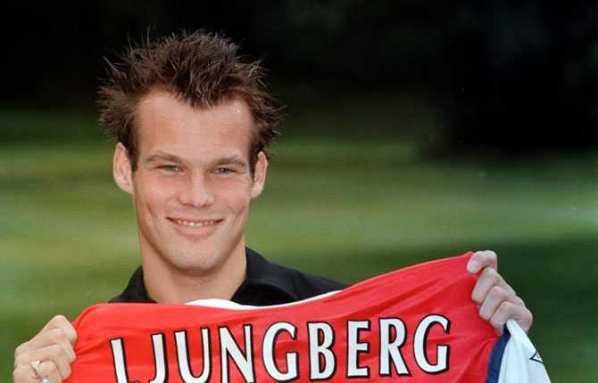 ...och sagan fortsatte i Arsenal. Där fick han samma nummer som legendaren Ian Wright tidigare haft.