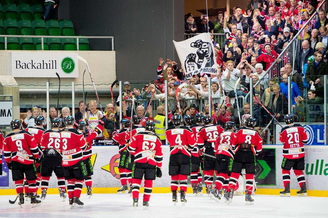 Malmö Redhawks som i dag toppar Hockeyallsvenskan skulle inte ha några problem med ett tuffare arenakrav.