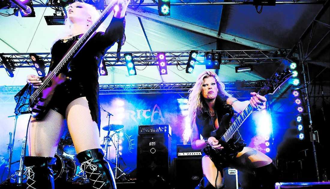 Sweden rock festival överskred gränsnivån för hur högt man får spela vid fem tillfällen under årets festival. Hysterica är ett av banden som nu riskerar böter.