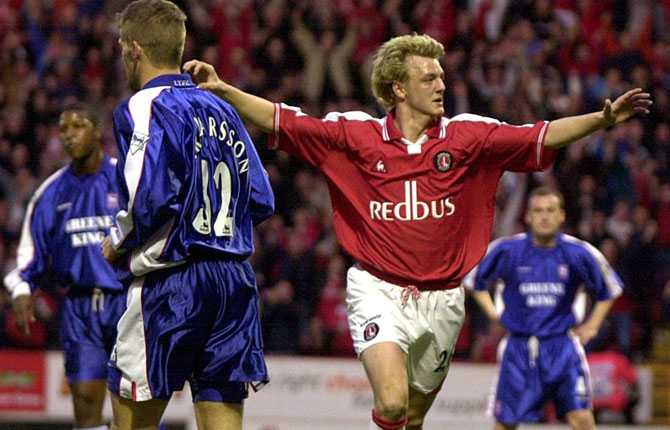 Mathias Svensson har representerat fem klubbar i England. En av dem – Charlton under 2001.
