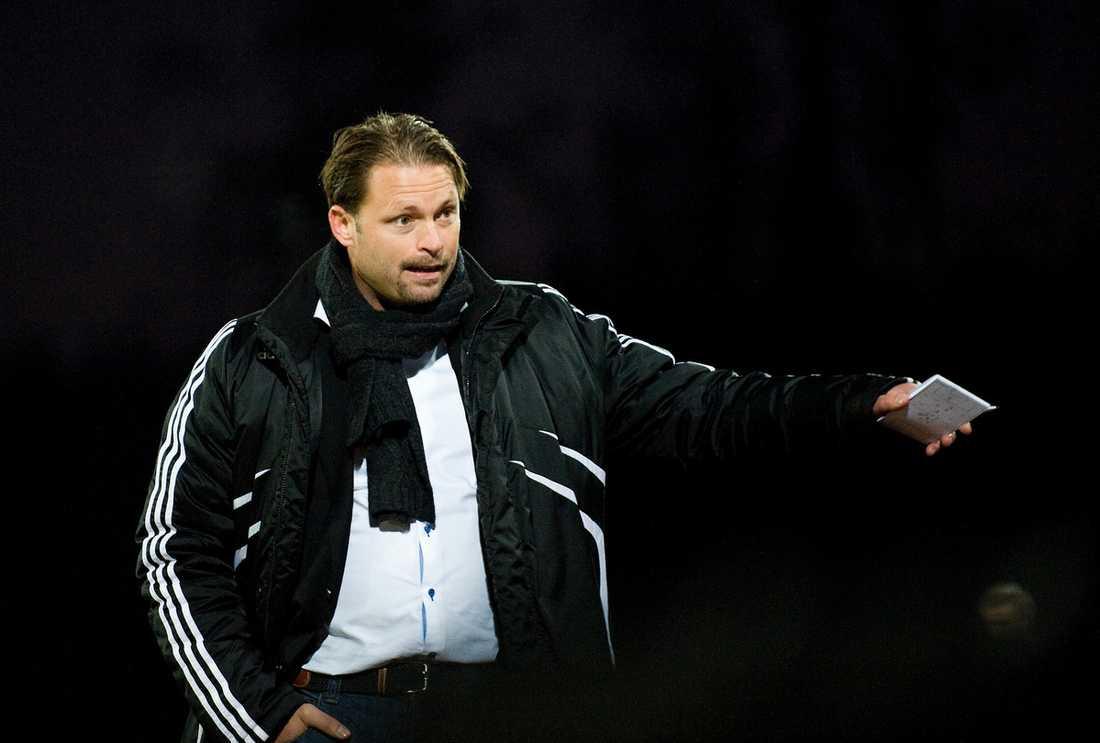 Sedan Joakim Persson tog över som tränare i Ängelholm har laget överraskat stort. I dag hoppas laget kunna koppla greppet om en plats i allsvenskan nästa säsong.