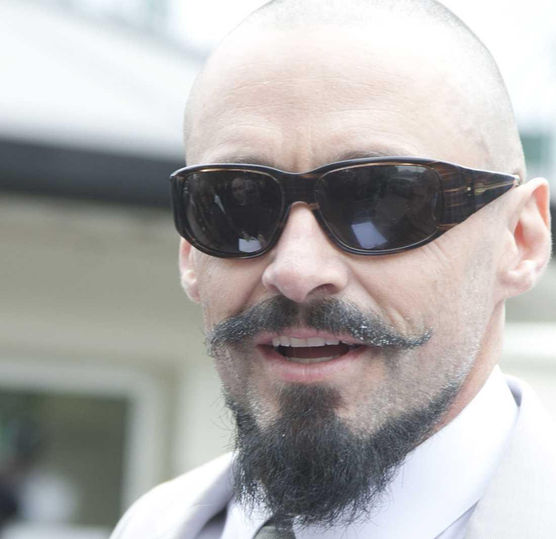 Poirot-skägget Hugh  Jackman överraskade omvärlden nyligen med rakad skalle och ett högst ståtligt Poirot-skägg. Bon!