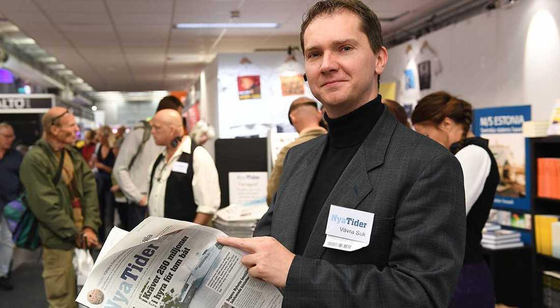 Vávra Suk, chefredaktör för högerextrema tidningen Nya Tider, i montern på förra helgens bokmässa i Göteborg.