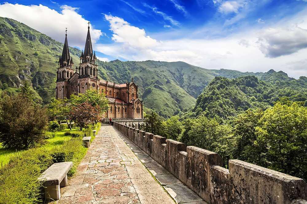Asturien och området runt byn Covadonga i norra Spanien toppar listan.