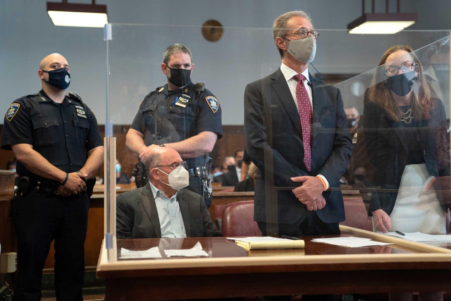Allen Weisselberg sitting in the courtroom.