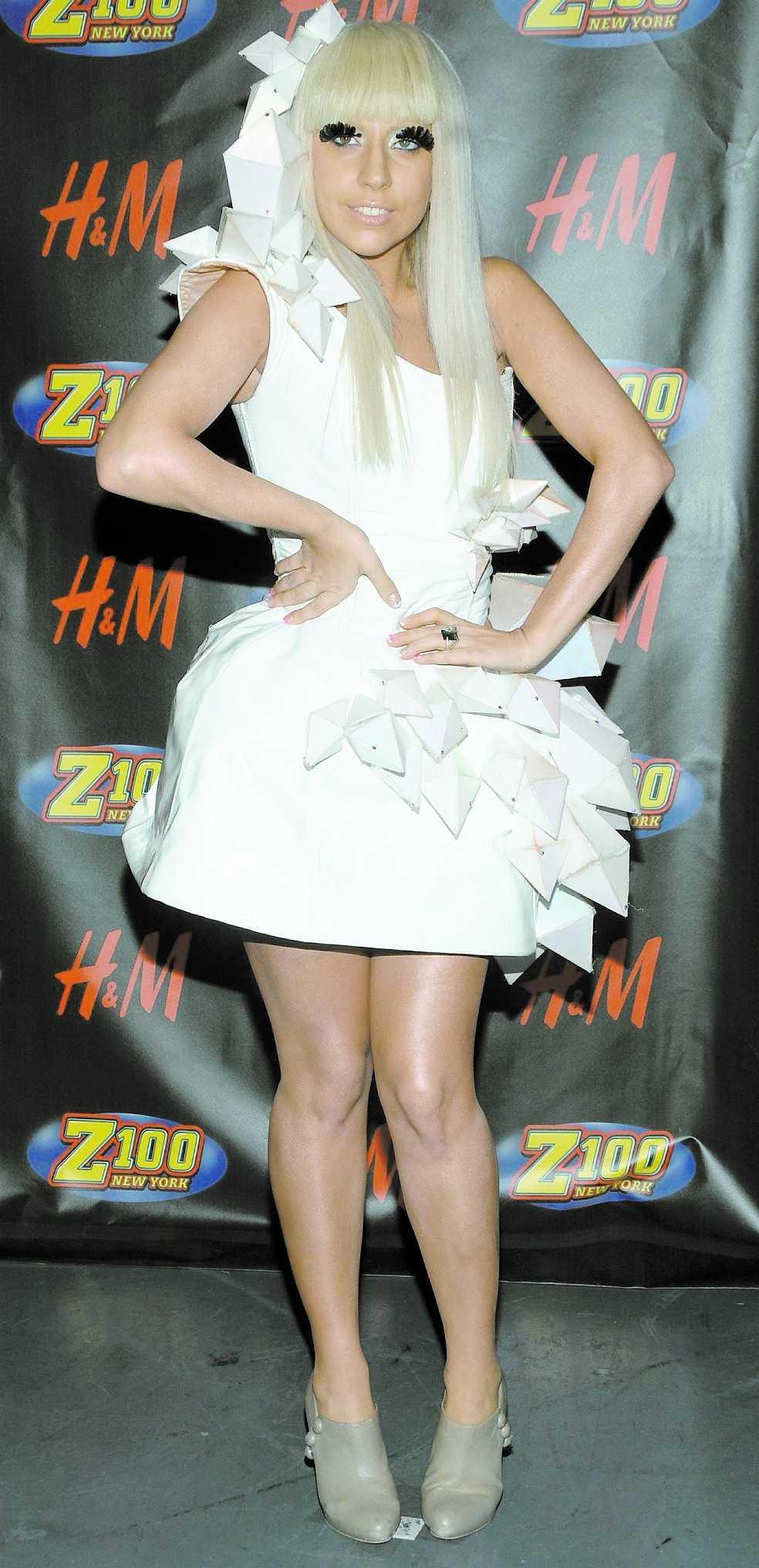 Lady Gaga tycks vara på väg att skapa ett helt nytt, djärvt mode.