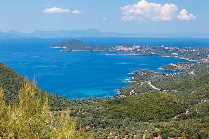 Epirus-regionen som påminner en hel del om Italiens kända Amalfikust.