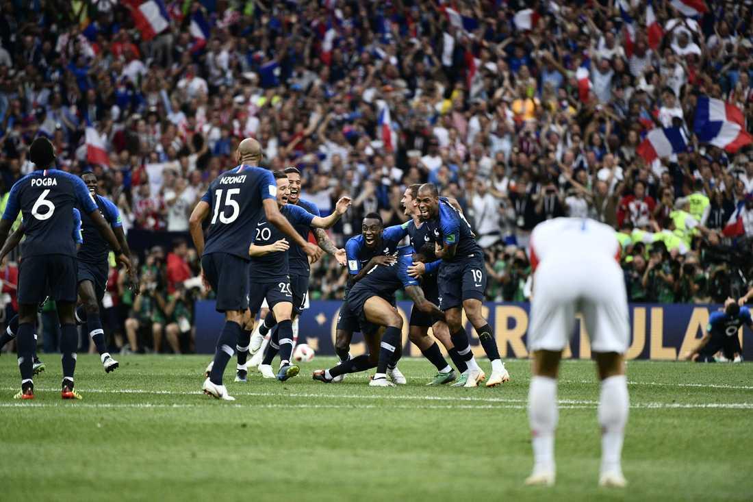 Franska guldjublet vid slutsignal.