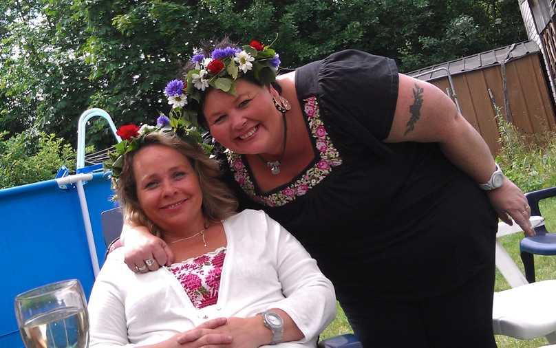 Petri Sjöstedt har tagit den här bilden på svägerskan Anneli och grannen Linda.