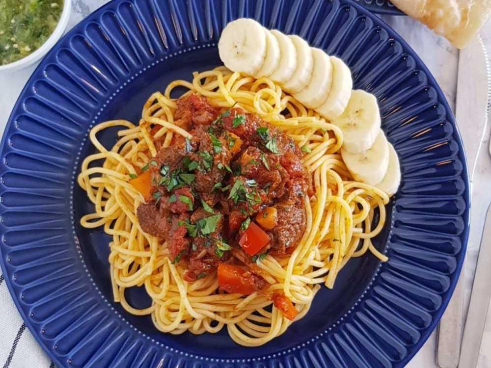 Sugo suqaar är en somalisk gryta som kan ätas med pasta.