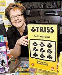 KLÖVER DAM Anna Engström i Överkalix har turen med sig. Tre av hennes kunder har vunnit miljoner de senaste åren. Själv tog hon hem 10?000 kronor på en trisslott.