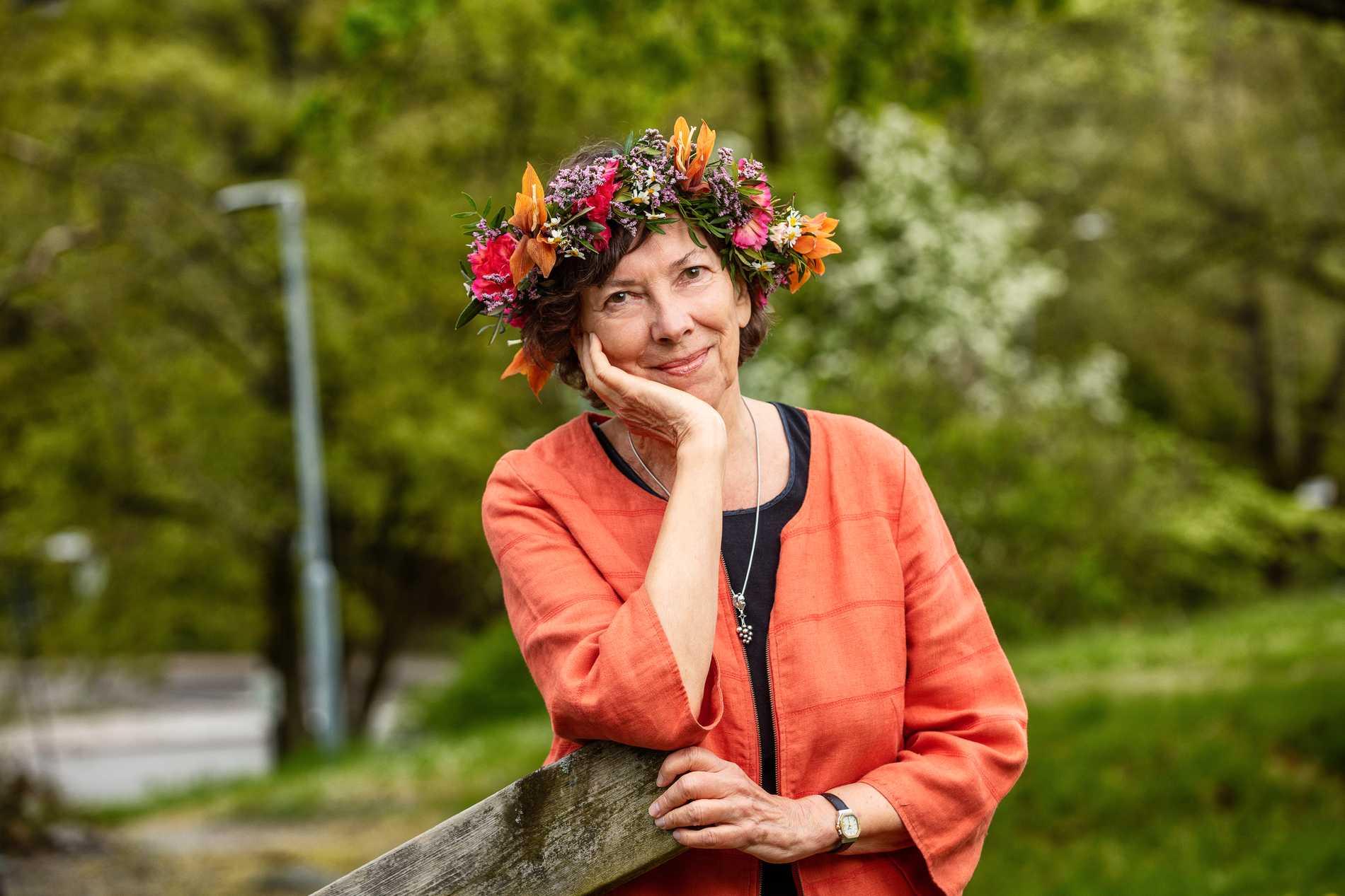Nina Burton, poet och författare.