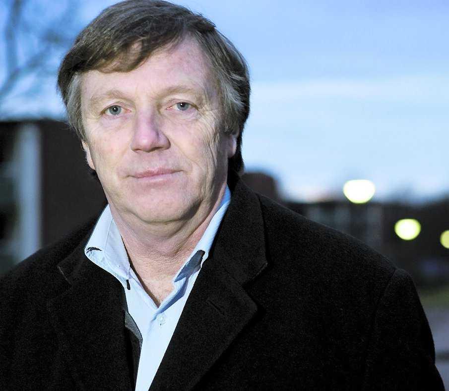 """Kritisk Olle Nilsson, rektor på Kungsgårdsskolan i Ängelholm ska ge en skriftlig varning till de lärare på skolan som uppmanat eleverna att rösta fram den som var jobbigast i klassen: """"Så jobbar man inte med elever"""", säger han."""