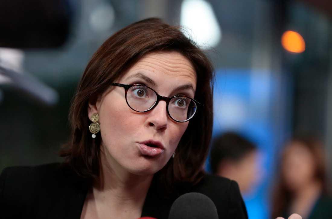 Frankrikes EU-minister Amélie de Montchalin på väg in till tisdagens ministermöte i Bryssel.