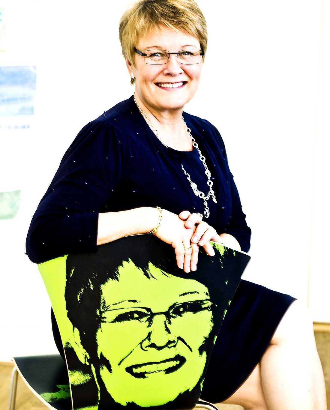 IFRÅGASATT Maud Olofsson har suttit som partiledare för Centerpartiet i tio år, men nu tycker flera riksdagskollegor att hon borde tacka för sig.
