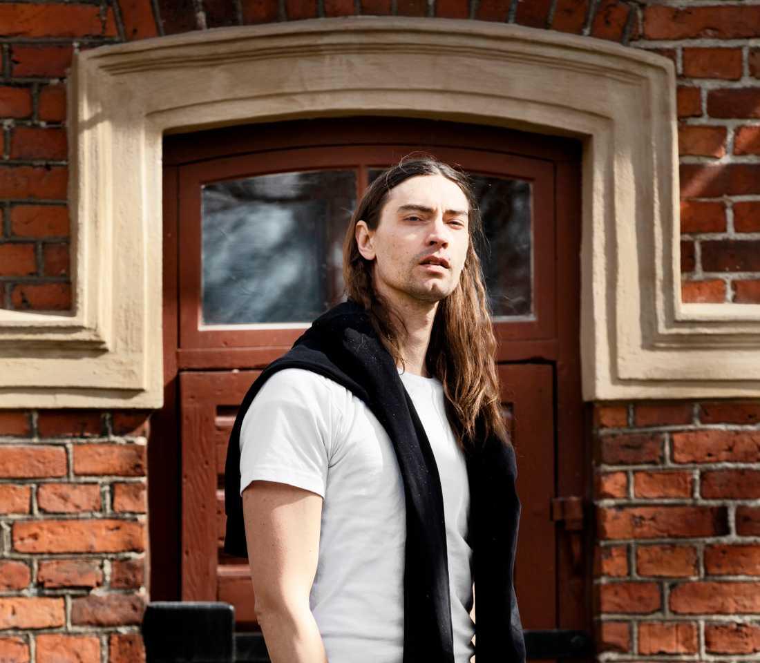 Före detta Mando Diao-sångaren Gustaf Norén kandiderar för Socialdemokraterna i kyrkovalet i höst.