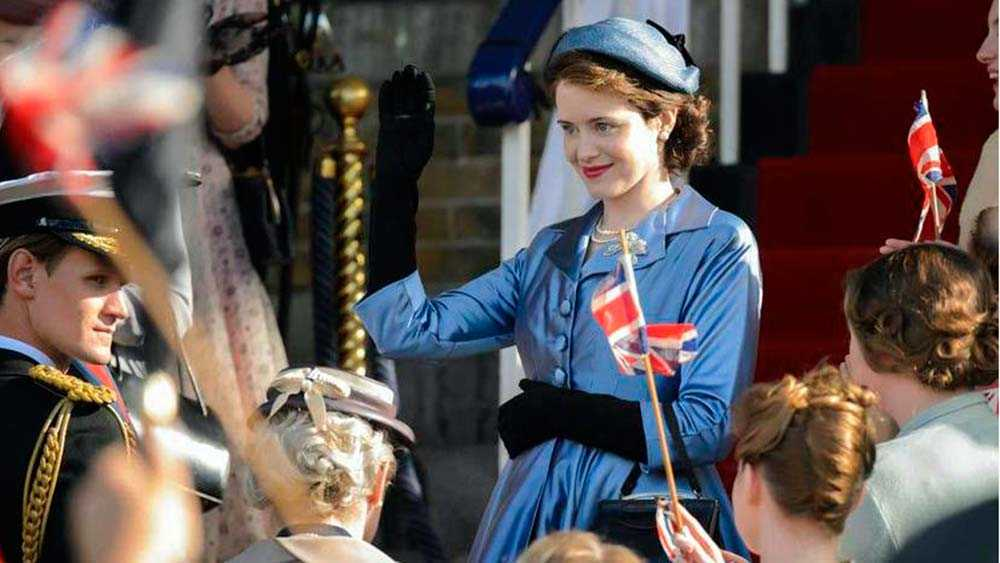 "Claire Foy som Queen Elizabeth i ""The crown""."