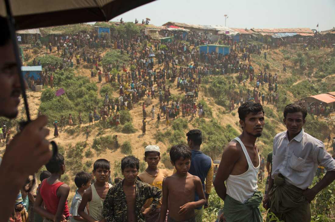 Rohingyaflyktingar i lägret Kutupalong i Cox's Bazar, Bangladesh. Styret i Dhaka börjar tröttna på att ta hand om de över en miljon flyktingarna, varav många befunnit sig i landet i flera år. Bilden är från april 2019.