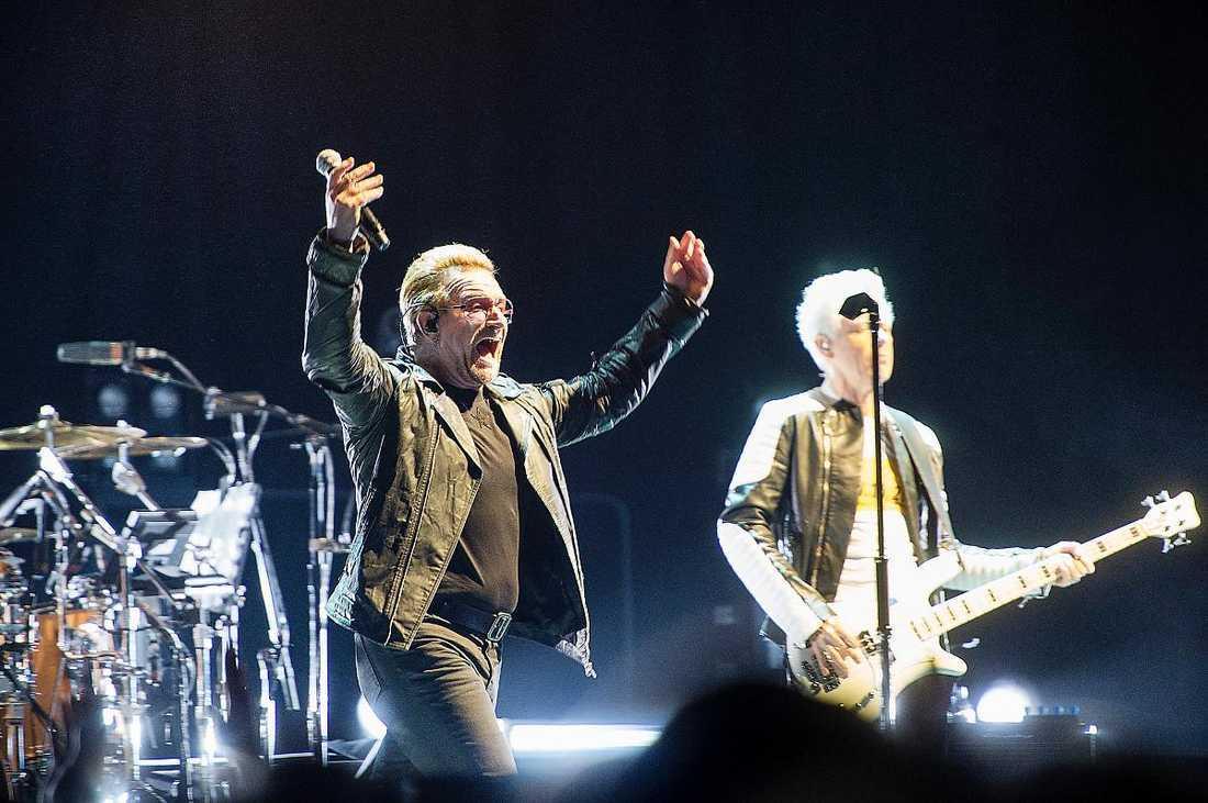 """Undersökte lokalen Söndagens U2-konsert var den tredje av fyra inplanerade. Den flyttas nu till i morgon, den 22 september. """"Alla biljetter till kvällens konsert är giltiga till konserten på tisdag"""", meddelar arrangören Live Nation. Bilden är från torsdagens konsert."""