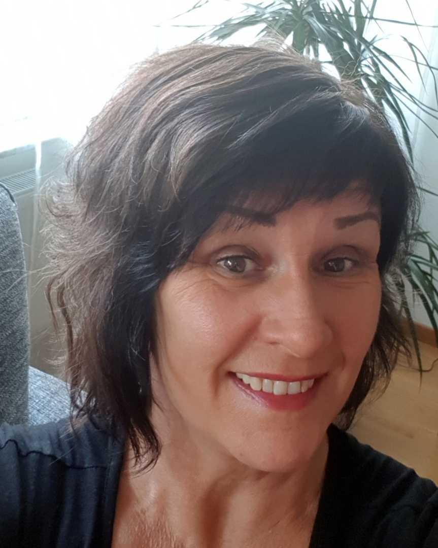 Carina Grip, 57, väntar på att få sin fot opererad