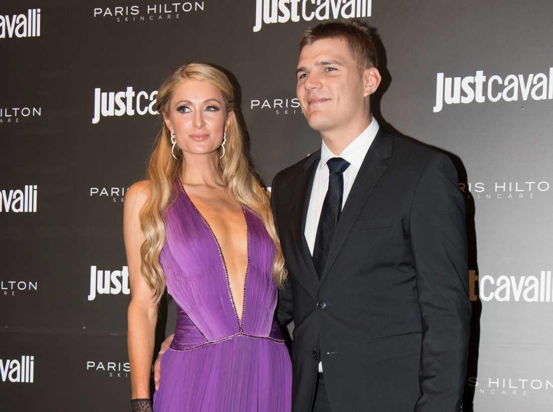 Paris Hilton och Chris Zylka.