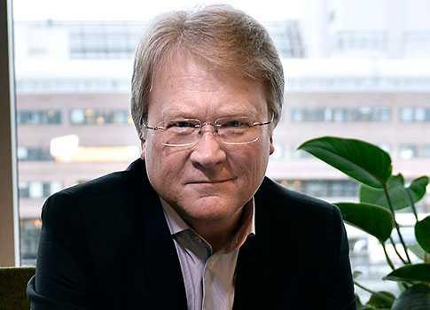 Lars Adaktusson var tidigare programledare på SVT. Nu för tiden är han Kristdemokraternas toppnamn i EU-valet.