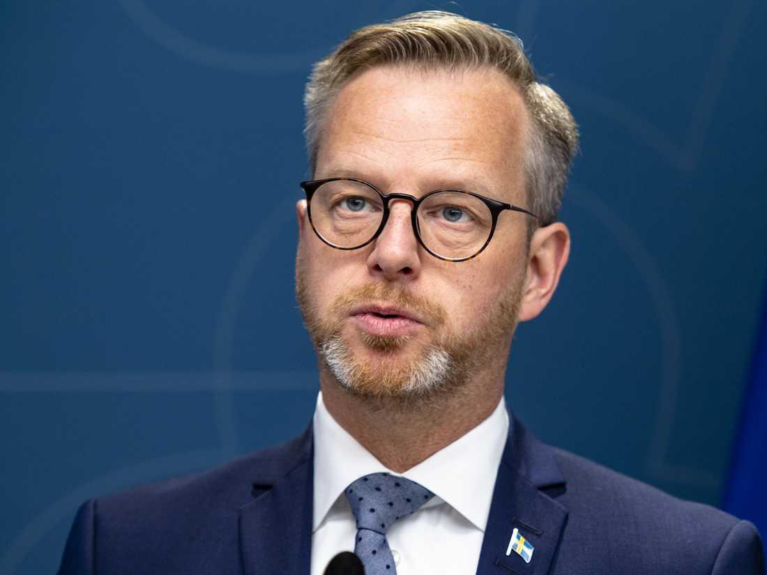 Amazons lobbychef lyckades driva igenom flera förändringar i dåvarande näringsminister Mikael Dambergs (S) citat inför en reklamkampanj.