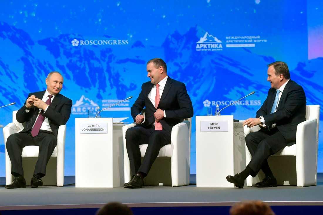 Rysslands president Vladimir Putin, Islands President Guoni Johannesson och statsminister Stefan Löfven