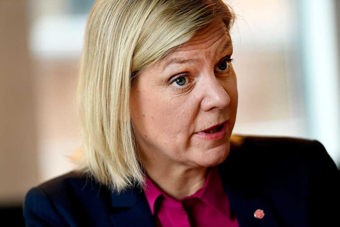 """""""Vi accepterar inte ett enda steg bakåt. Ingen i – eller utanför familjen – ska begränsa kvinnors frihet"""", säger Andersson."""