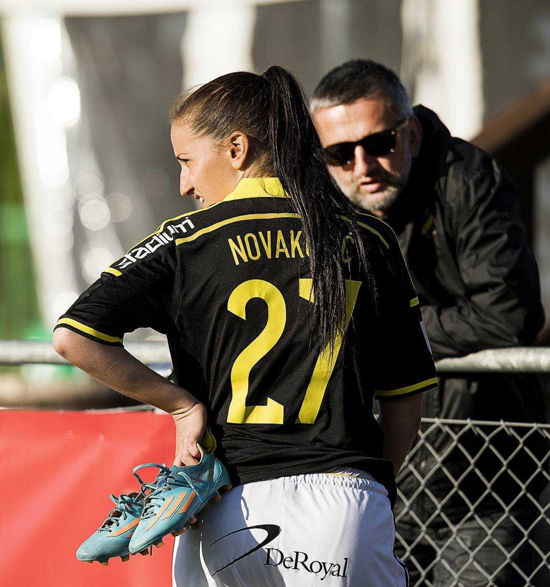 Är dotter till ikonen Daniellas största supporter är pappa Nebojsa Novakovic – AIK-legendar och assisterande tränare i herrlaget.