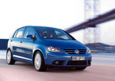 VW Golf har tagit fram en hög rymlig bil som ändå har småbilskänslan kvar.