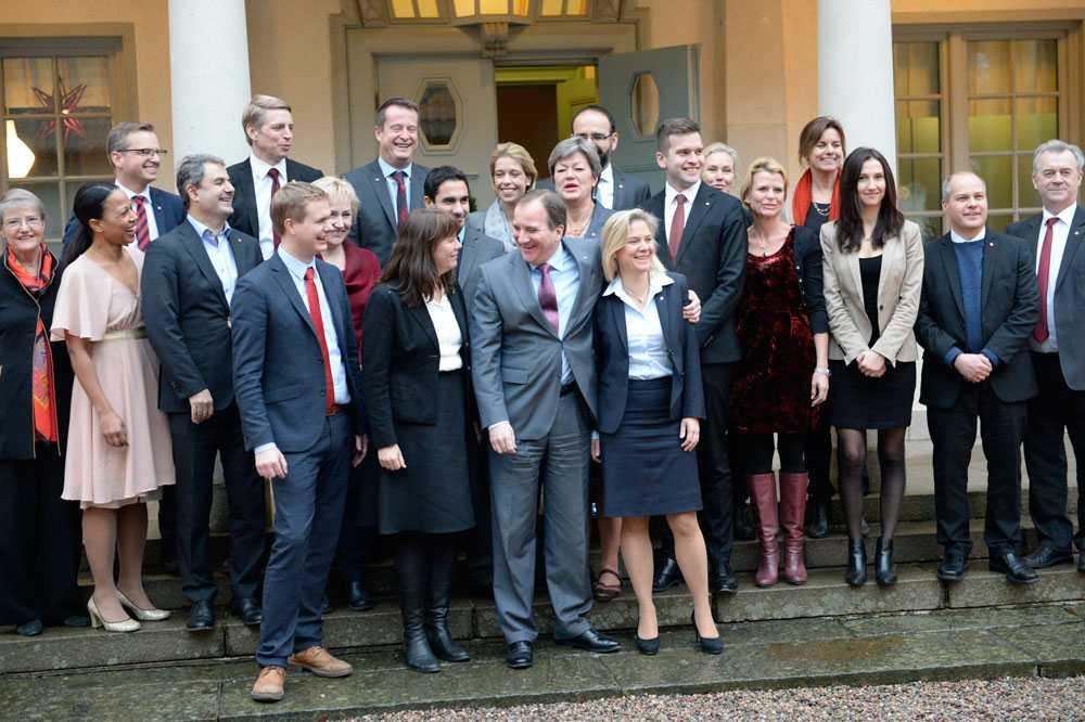 Regeringen samlad i december 2014.