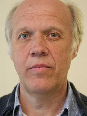 Lön: 34 800 kronor.  Bertil Rantoft, 55. Examen: Adjunkt. 31 år i yrket.  – En bra lärare ska ha bra lön och löneutveckling under hela sin yrkestid.