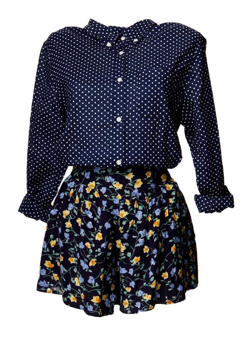 Skjorta, 900 kronor, Acne. Shortskjol, 510 kronor, Urban Outfitters.